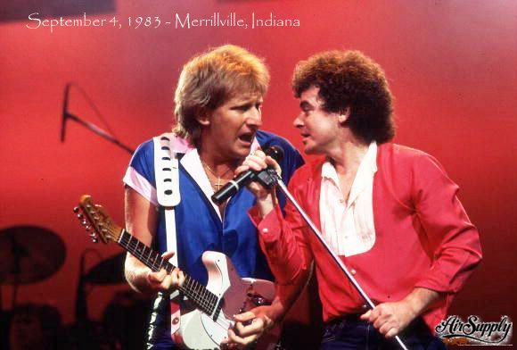Graham Russell and Russell Hitchcock of Air Supply in concert on Setember 4 1983.jpg